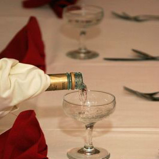 champaign for the best man's wedding toast